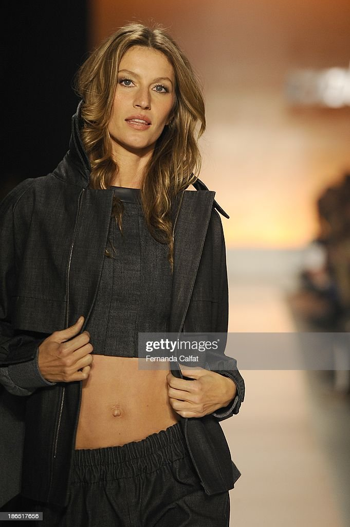 <a gi-track='captionPersonalityLinkClicked' href=/galleries/search?phrase=Gisele+Bundchen&family=editorial&specificpeople=201815 ng-click='$event.stopPropagation()'>Gisele Bundchen</a> walks the runway during Colcci show at Sao Paulo Fashion Week Winter 2014 on October 31, 2013 in Sao Paulo, Brazil.