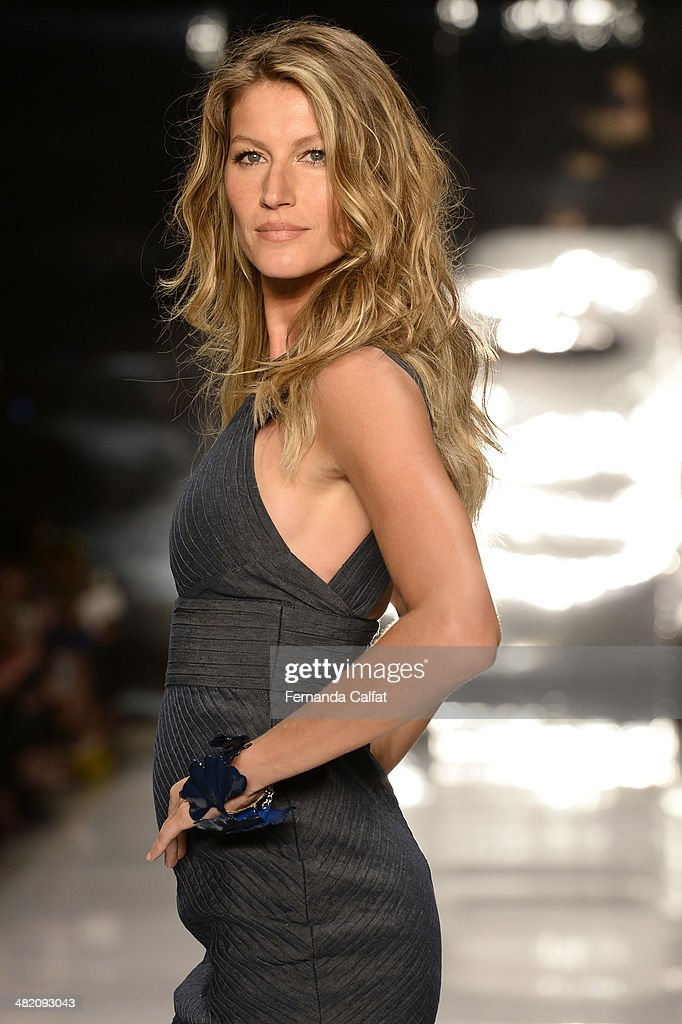 <a gi-track='captionPersonalityLinkClicked' href=/galleries/search?phrase=Gisele+Bundchen&family=editorial&specificpeople=201815 ng-click='$event.stopPropagation()'>Gisele Bundchen</a> walks the runway during the Colcci show at Sao Paulo Fashion Week Summer 2014/2015 at Parque Candido Portinari on April 2, 2014 in Sao Paulo, Brazil.