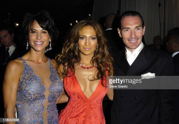 Giselle FernandezFarrand Jennifer Lopez and MGM Chairman and CEO Alex Yemenidjian