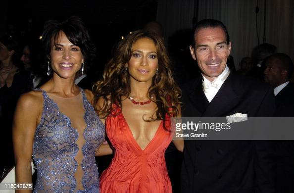 Giselle FernandezFarrand Jennifer Lopez and MGM Chairman and CEO Alex Yemenidjian