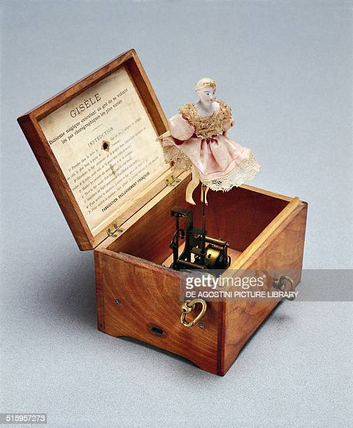 Giselle music box with ballerina toy with clockwork mechanism Paris France 20th century Milan Museo Del Giocattolo E Del Bambino