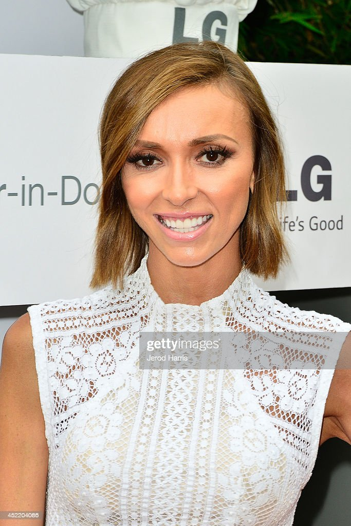 Giuliana Rancic attends LG and Chef Sandra Lee Host LG Junior Chef Academy to celebrate the launch of the Door-in-Door Refrigerator with CustomChill, Benefiting No Kid Hungry at The Washbow on July 15, 2014 in Culver City, California.