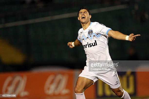 Giuliano of Gremio celebrate his goal first of match during a match between Figueirense and Gremio as part of Campeonato Brasileiro 2014 at Orlando...