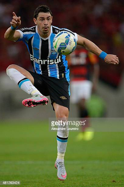 Giuliano of Gremio in action during the match between Flamengo and Gremio as part of Brasileirao Series A 2015 at Maracana stadium on July 18 2015 in...
