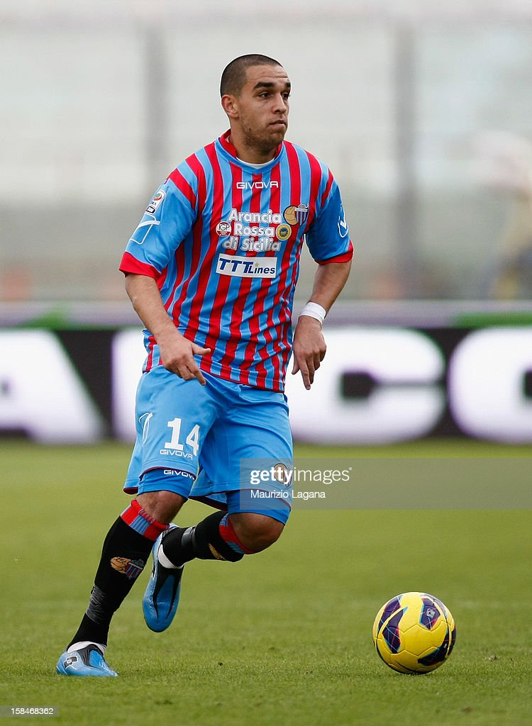 Giuseppe Bellusci of Catania during the Serie A match between Calcio Catania and UC Sampdoria at Stadio Angelo Massimino on December 16, 2012 in Catania, Italy.