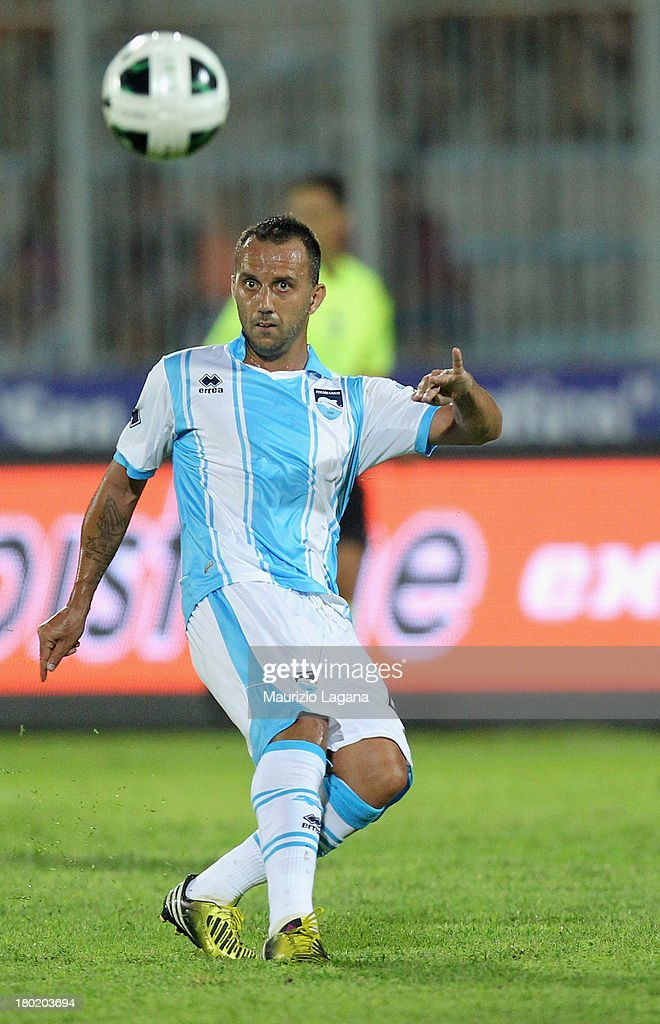 Giuseppe Mascara of Pescara during the Serie B match between Trapani Calcio and Pescara Calcio at Stadio Provinciale on September 2, 2013 in Trapani, Italy.