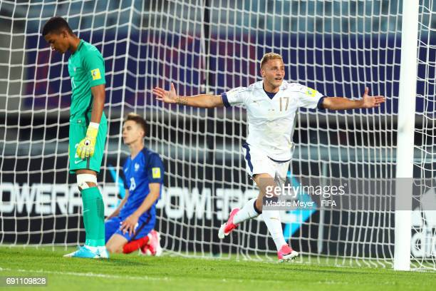 Giuseppe Panico of Italy celebrates after scoring his teams second goal during the FIFA U20 World Cup Korea Republic 2017 Round of 16 match between...
