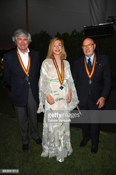Giuseppe Penone Francesca Lo Schiavo and Dante Ferretti pose with their medals during McKim Medal Gala at Villa Aurelia on June 7 2017 in Rome Italy