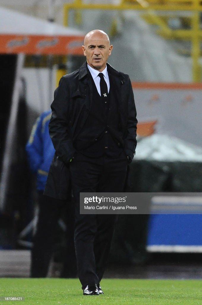 Giuseppe Sannino, head coach of AC Chievo Verona looks on during the Serie A match between Bologna FC and AC Chievo Verona at Stadio Renato Dall'Ara on November 4, 2013 in Bologna, Italy.