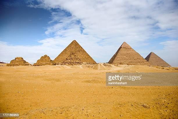 ギーザ 6 ピラミッド