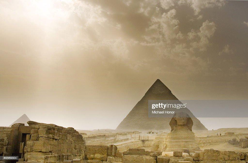 Giza sandstorm