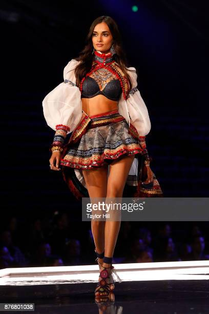 Gizele Oliveira walks the runway during the 2017 Victoria's Secret Fashion Show at MercedesBenz Arena on November 20 2017 in Shanghai China