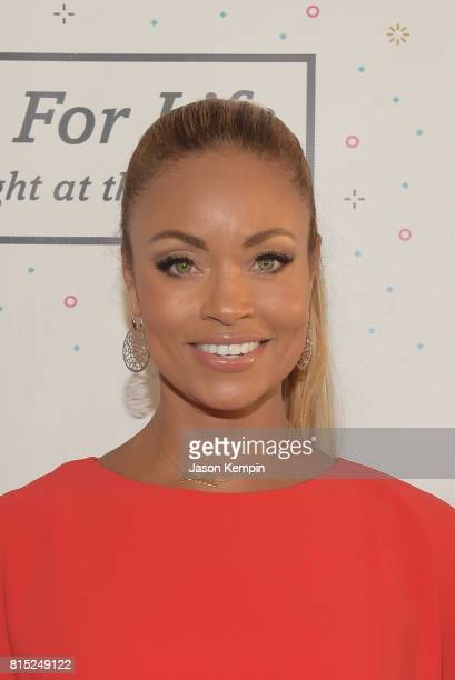 Gizelle Bryant attends 'Midnight At The Oasis' Annual Art For Life Benefit hosted by Russell Simmons' Rush Philanthropic Arts Foundation at Fairview...