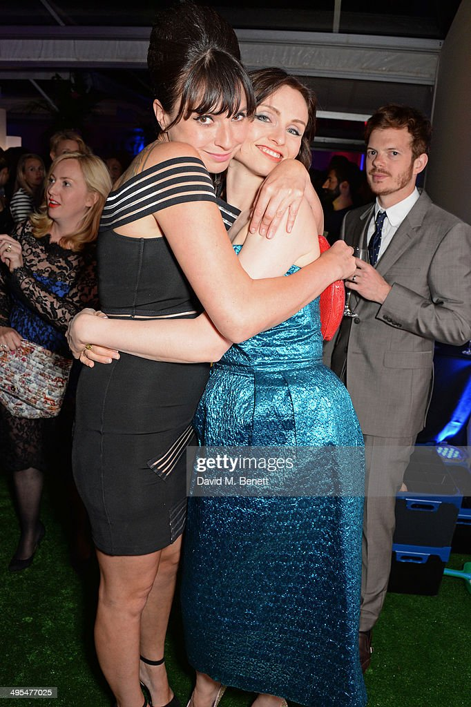 <a gi-track='captionPersonalityLinkClicked' href=/galleries/search?phrase=Gizzi+Erskine&family=editorial&specificpeople=5536167 ng-click='$event.stopPropagation()'>Gizzi Erskine</a>, Sophie Ellis Bextor and Richard Jones attend the Glamour Women of the Year Awards after party in Berkeley Square Gardens on June 3, 2014 in London, England.