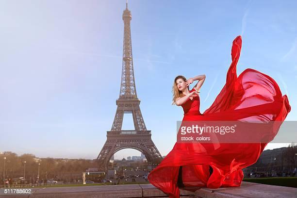 Glamour Frau in Paris Aufnahmen