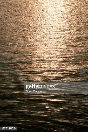 Glare on water : Bildbanksbilder