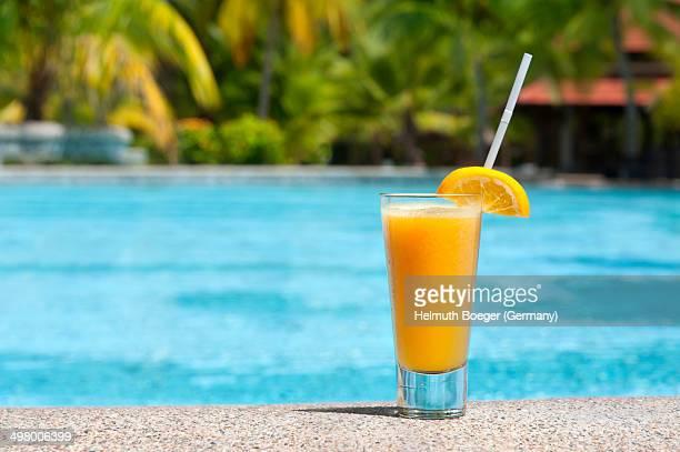 A glas of fresh orange juice