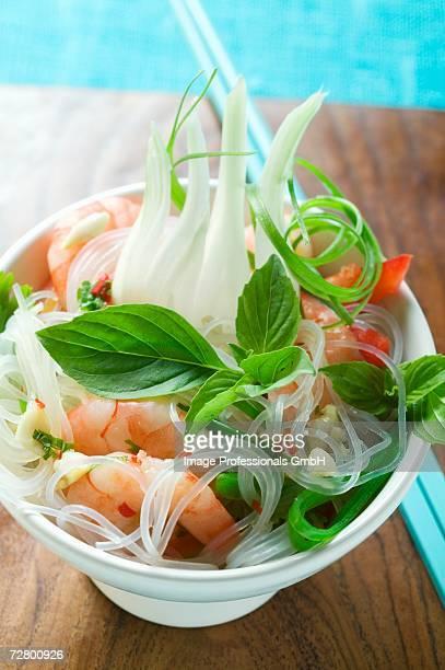 Glass noodles with shrimps, lemon grass and fennel