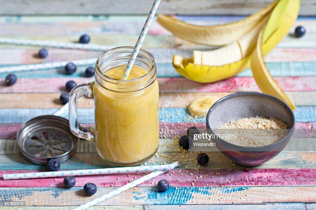 how to make banana mango smoothie