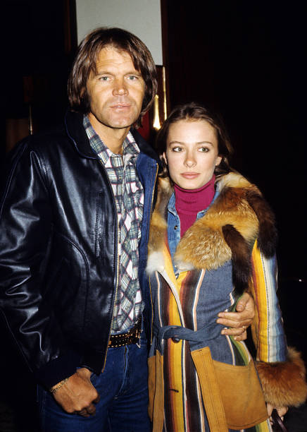 Billie Jean Nunley And Glen Campbell At A Community Picnic