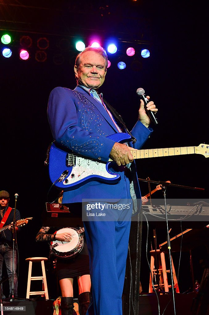 Glen Campbell performs at the Sands Event Center on October 26, 2012 in Bethlehem, Pennsylvania.