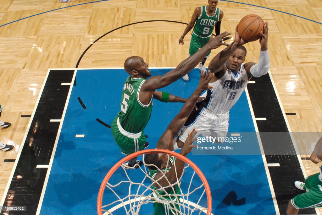 <a gi-track='captionPersonalityLinkClicked' href=/galleries/search?phrase=Glen+Davis+-+Giocatore+di+basket&family=editorial&specificpeople=709385 ng-click='$event.stopPropagation()'>Glen Davis</a> #11 of the Orlando Magic goes to the basket during the game between the Boston Celtics and the Orlando Magic on November 25, 2012 at Amway Center in Orlando, Florida.