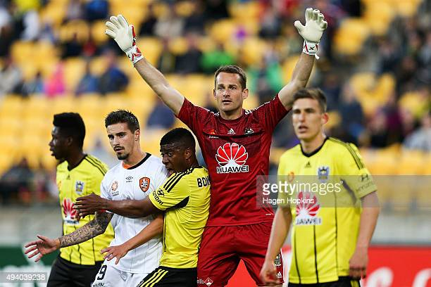 Glen Moss of the Phoenix prepares to defend against a corner kick during the round three ALeague match between the Wellington Phoenix and the...