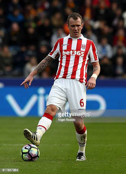 Glen Whelan of Stoke City during the Premier League match between Hull City and Stoke City at KC Stadium on October 22 2016 in Hull England