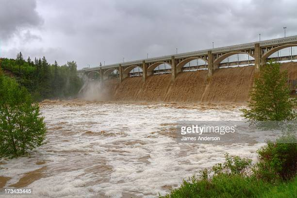 CONTENT] Glenmore Dam is overwhelmed by flood waters and has reached levels never before seen during the flood of June 2013 The Elbow River below the...