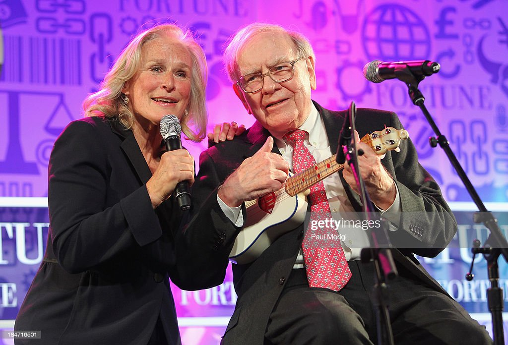<a gi-track='captionPersonalityLinkClicked' href=/galleries/search?phrase=Glenn+Close&family=editorial&specificpeople=201870 ng-click='$event.stopPropagation()'>Glenn Close</a> and <a gi-track='captionPersonalityLinkClicked' href=/galleries/search?phrase=Warren+Buffett&family=editorial&specificpeople=533069 ng-click='$event.stopPropagation()'>Warren Buffett</a> perform onstage at FORTUNE Most Powerful Women Summit on October 15, 2013 in Washington, DC.