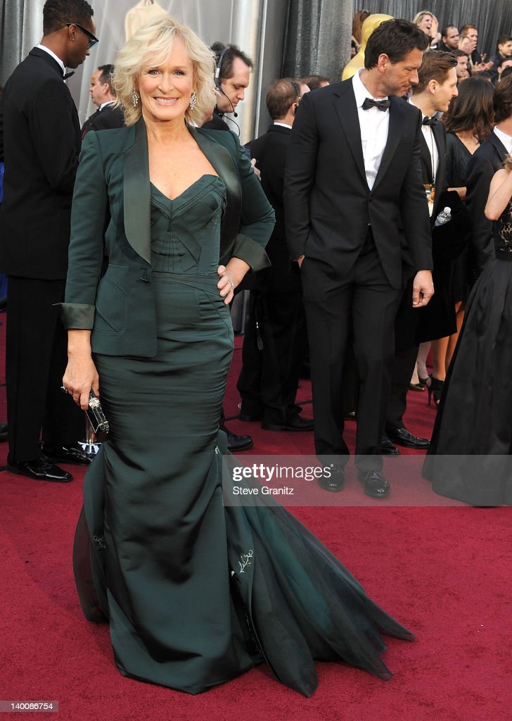 <a gi-track='captionPersonalityLinkClicked' href=/galleries/search?phrase=Glenn+Close&family=editorial&specificpeople=201870 ng-click='$event.stopPropagation()'>Glenn Close</a> arrives at the 84th Annual Academy Awards at Grauman's Chinese Theatre on February 26, 2012 in Hollywood, California.