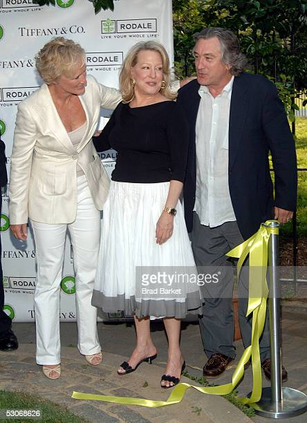 Glenn Close Bette Midler and Robert De Niro share a moment at Bette Midler's New York Restoration Project's 4th Annual Picnic at Spanish Harlem's...