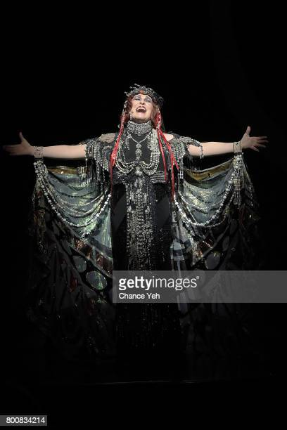 Glenn Close takes a final bow in 'Sunset Boulevard' at Palace Theatre on June 25 2017 in New York City
