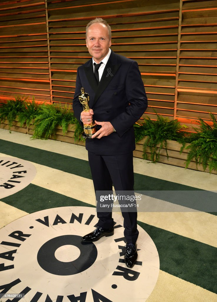 Glenn Freemantle holds his Academy Award for Best Achievement in Sound Editing for 'Gravity' as attends the 2014 Vanity Fair Oscar Party Hosted By Graydon Carter on March 2, 2014 in West Hollywood, California.