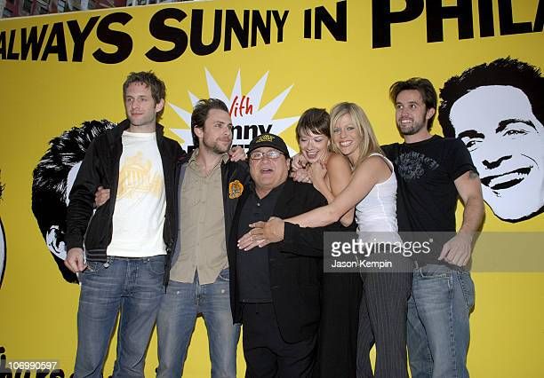 Glenn Howerton Charlie Day Danny DeVito Mary Elizabeth Ellis Kaitlin Olson and Rob McElhenney