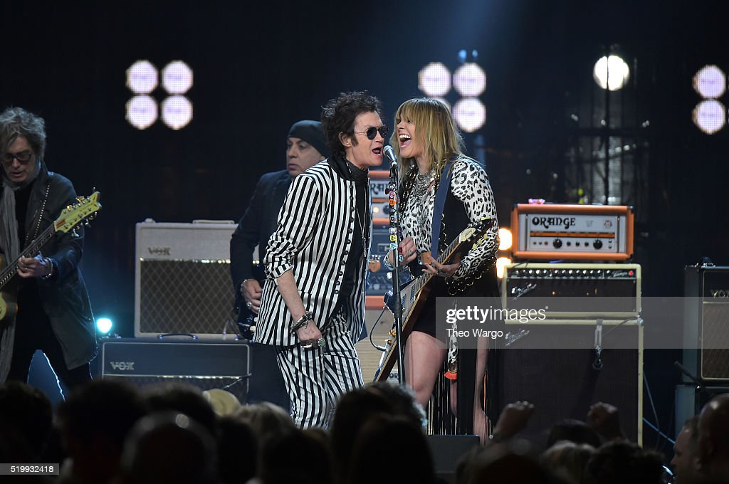 Glenn Hughes (L) and Grace Potter perform at the 31st Annual Rock And Roll Hall Of Fame Induction Ceremony at Barclays Center on April 8, 2016 in New York City.