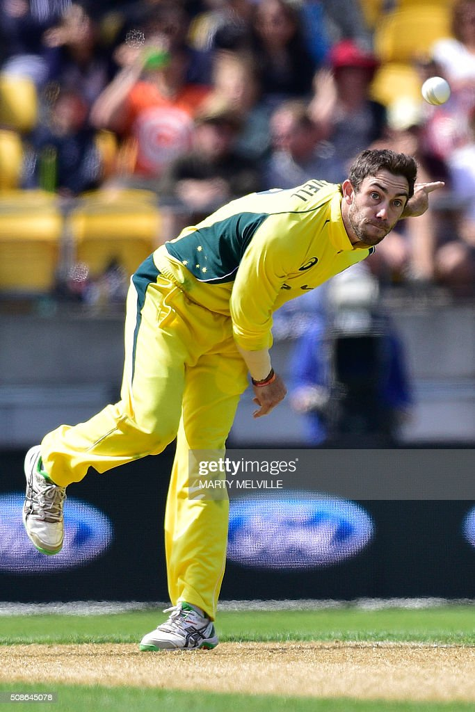 Glenn Maxwell of Australia bowls during the 2nd one-day international cricket match between New Zealand and Australia at Westpac Stadium in Wellington on February 6, 2016. AFP PHOTO / MARTY MELVILLE / AFP / Marty Melville