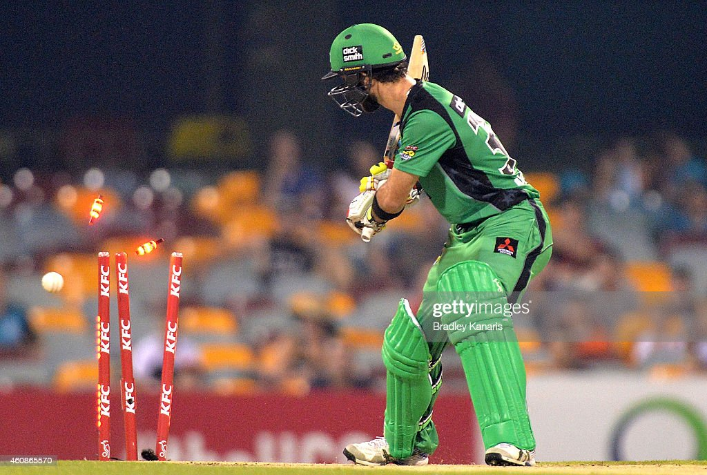 <a gi-track='captionPersonalityLinkClicked' href=/galleries/search?phrase=Glenn+Maxwell&family=editorial&specificpeople=752174 ng-click='$event.stopPropagation()'>Glenn Maxwell</a> of the Stars is clean bowed off the bowling of Ryan Duffield of the Heat during the Big Bash League match between the Brisbane Heat and the Melbourne Stars at The Gabba on December 28, 2014 in Brisbane, Australia.