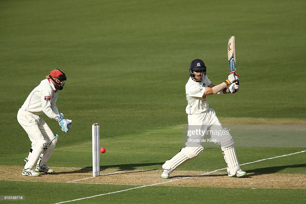 <a gi-track='captionPersonalityLinkClicked' href=/galleries/search?phrase=Glenn+Maxwell&family=editorial&specificpeople=752174 ng-click='$event.stopPropagation()'>Glenn Maxwell</a> of the VIC Bushrangers bats during day one of the Sheffield Shield match between South Australia and Victoria at Adelaide Oval on February 14, 2016 in Adelaide, Australia.