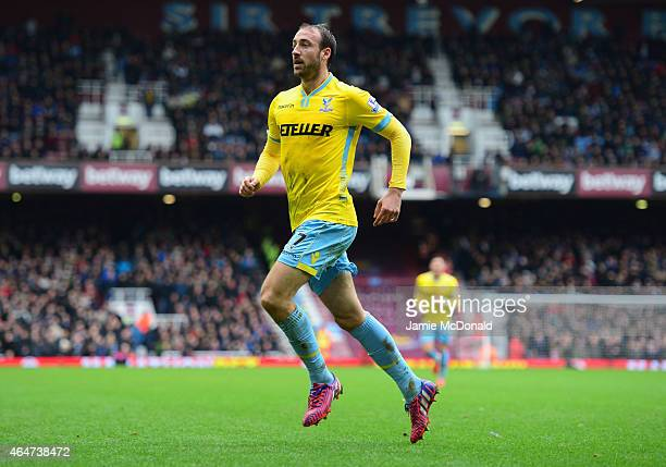 Glenn Murray of Crystal Palace celebrates as he scores their first goal during the Barclays Premier League match between West Ham United and Crystal...