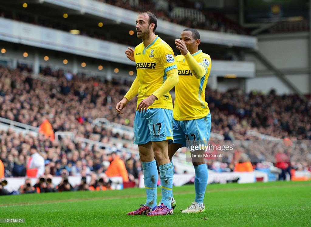 <a gi-track='captionPersonalityLinkClicked' href=/galleries/search?phrase=Glenn+Murray+-+Soccer+Player&family=editorial&specificpeople=15203667 ng-click='$event.stopPropagation()'>Glenn Murray</a> of Crystal Palace (17) celebrates with team mate <a gi-track='captionPersonalityLinkClicked' href=/galleries/search?phrase=Jason+Puncheon&family=editorial&specificpeople=747694 ng-click='$event.stopPropagation()'>Jason Puncheon</a> as he scores their first goal during the Barclays Premier League match between West Ham United and Crystal Palace at Boleyn Ground on February 28, 2015 in London, England.