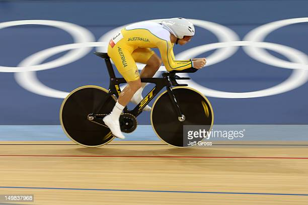 Glenn O'Shea of Australia competes in the Men's Omnium Track Cycling 4km Individual Pursuit on Day 9 of the London 2012 Olympic Games at Velodrome on...