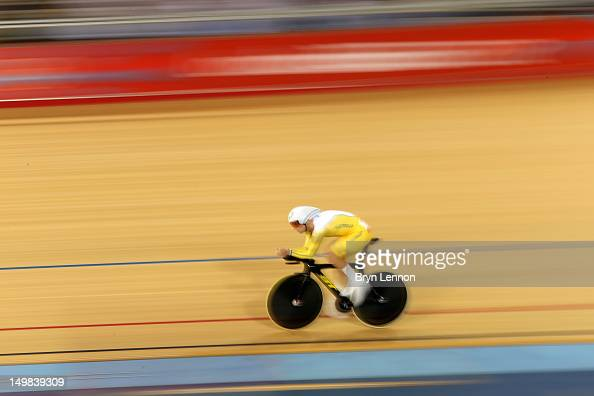 Glenn O'shea of Australia competes Men's Omnium Track Cycling 4km Individual Pursuit on Day 9 of the London 2012 Olympic Games at Velodrome on August...