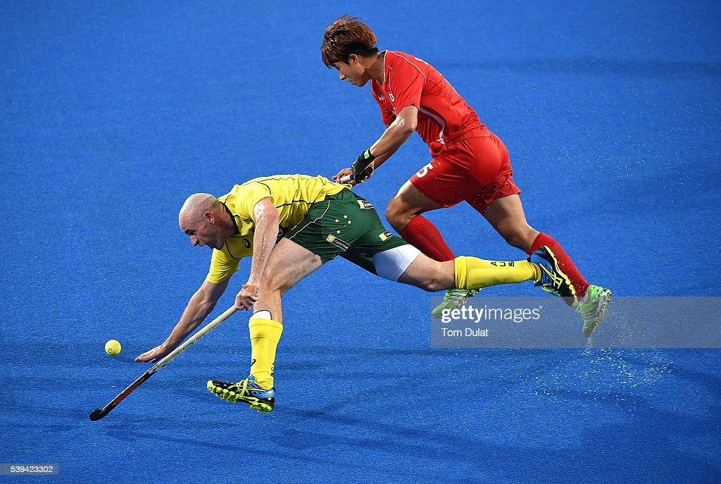 Glenn Turner of Australia and Younchan Lee of Korea in action during day two of the FIH Men's Hero Hockey Champions Trophy 2016 match between...