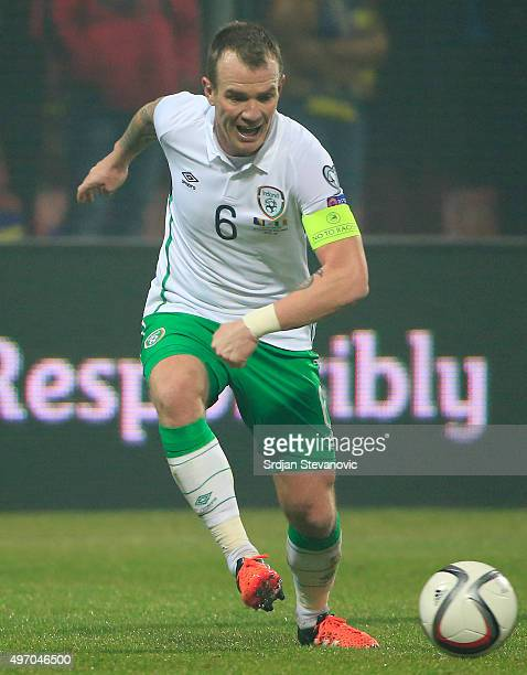 HERZEGOVINA NOVEMBER 13 Glenn Whelan of Ireland in action during the EURO 2016 Qualifier PlayOff First Leg match at Bilino Polje Stadium on November...