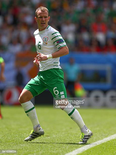Glenn Whelan of Republic of Ireland during the UEFA EURO 2016 Group E match between Belgium and Republic of Ireland at Stade Matmut Atlantique on...