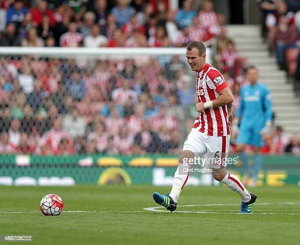 Glenn Whelan of Stoke City during the Barclays Premier League match between Stoke City and West Bromwich Albion at Britannia Stadium on August 29...