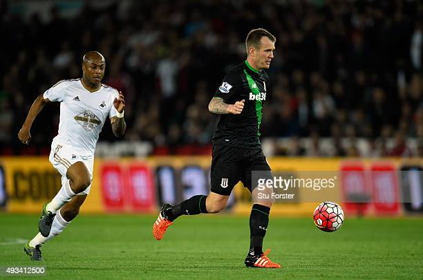 Glenn Whelan of Stoke City in action during the Barclays Premier League match between Swansea City and Stoke City at Liberty Stadium on October 19...