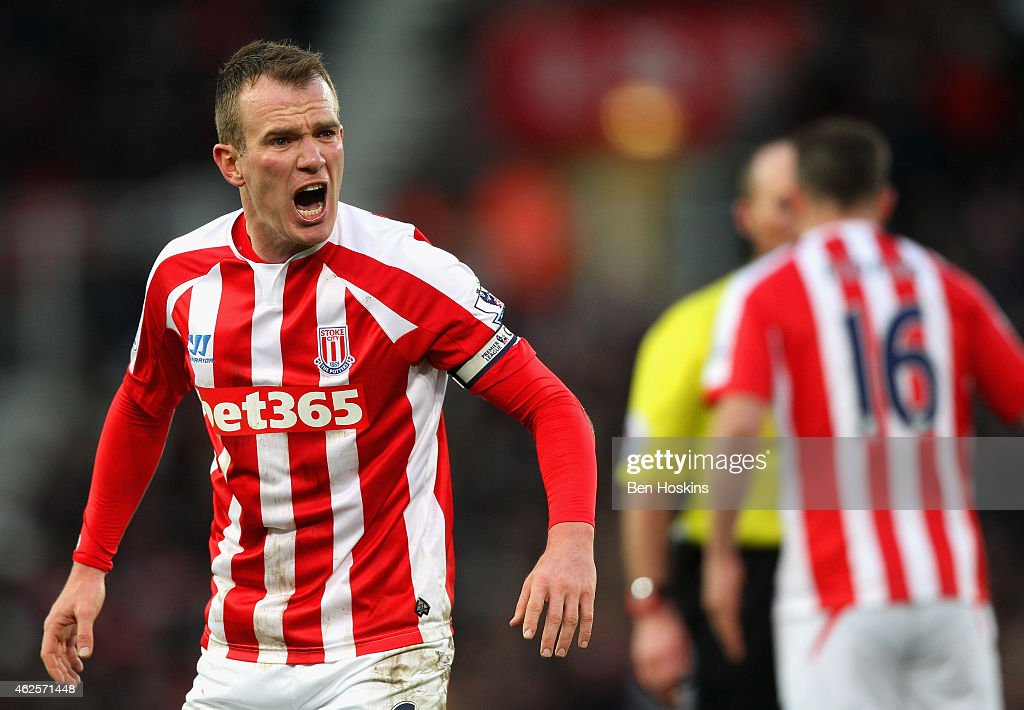 <a gi-track='captionPersonalityLinkClicked' href=/galleries/search?phrase=Glenn+Whelan&family=editorial&specificpeople=878267 ng-click='$event.stopPropagation()'>Glenn Whelan</a> of Stoke City reacts during the Barclays Premier League match between Stoke City and Queens Park Rangers at Britannia Stadium on January 31, 2015 in Stoke on Trent, England.