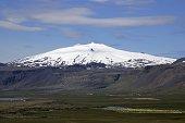 Gletscherbedeckter SnaefellsjoekullBerg Suedostseite des 1446 Meter hoher Vulkanberges auf der SnaefellsnesHalbinsel in Westisland im...